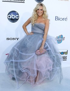 carrie-underwood-2012-billboard-music-awards-02